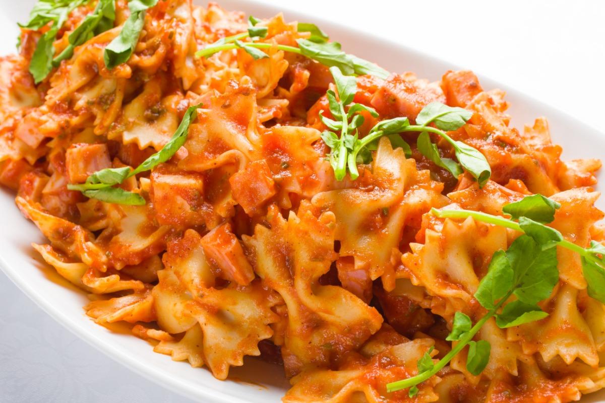 パスタアラビアータ お食事全体の心地良いアクセントに。ほんのりと辛みを効かせて。