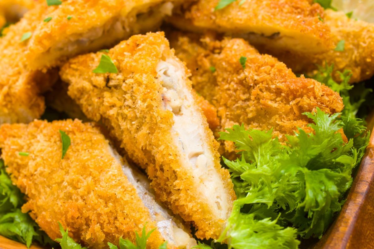白身魚のフライ~タルタルソース~ ふっくら、ほっくり優しい味わいの白身魚を軽い食べ心地のフライに。