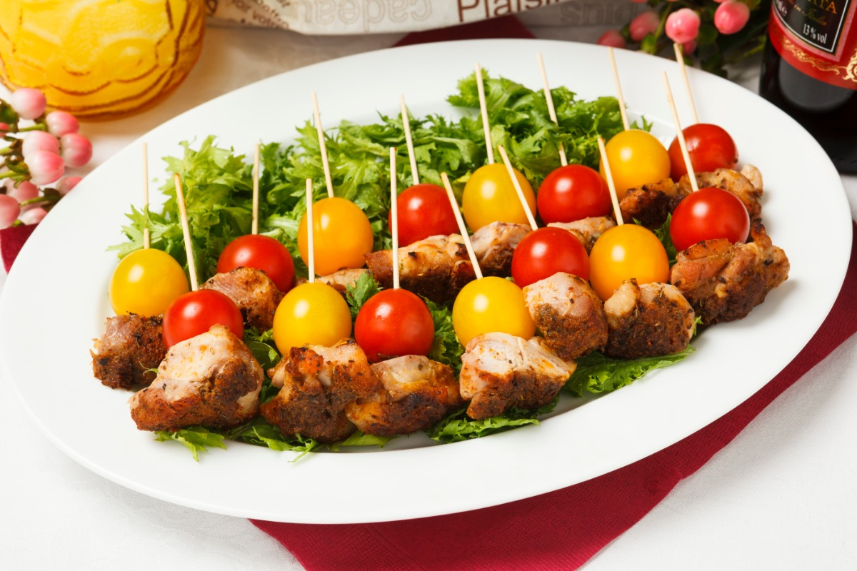 グリルチキンとトマトのピンチョス ゴロっとしたチキンをさっぱりトマトとご一緒に