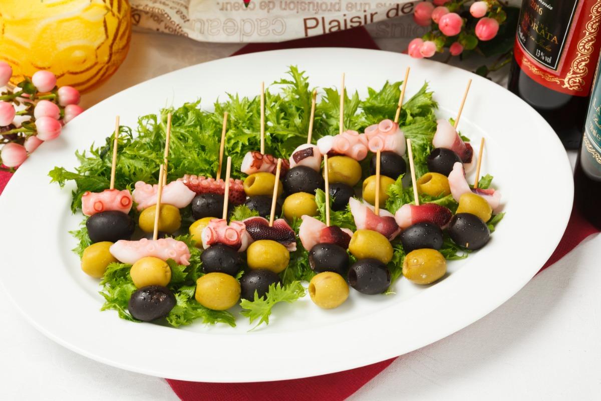 タコとオリーブのピンチョス パクリと一口で食べやすいタコとオリーブのおつまみ
